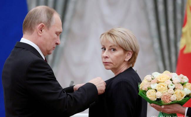 俄罗斯总统普京颁发国家奖