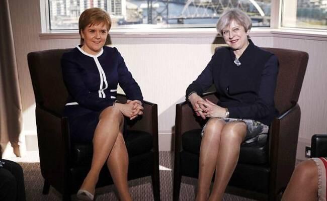 一次没有握手画面的领导人会面