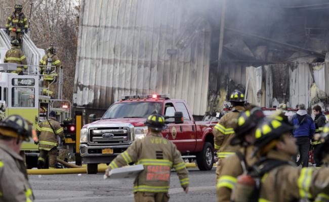 美国化妆品工厂发生爆炸 致75伤