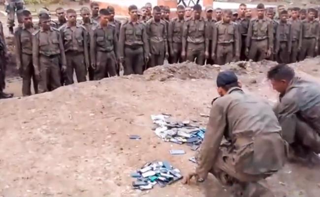 印度士兵在网上抱怨过得不好之后