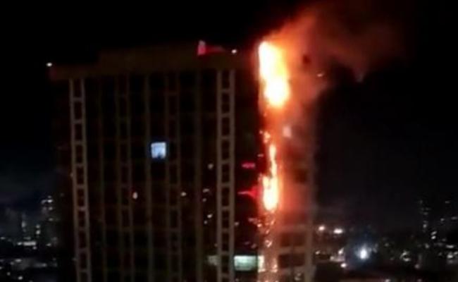 哈尔滨高楼被烟花引燃现场
