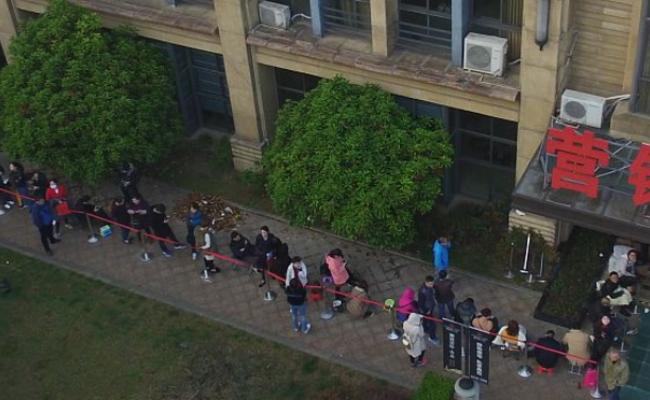 通宵排队买房再现:不是上海是苏北