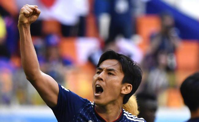 日本队2:1胜哥伦比亚队现场
