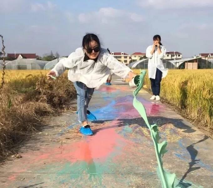这群设计师在上海沉迷种田,说是给乡野做「针灸」