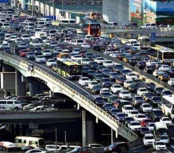 """日本""""逆天""""停车场,好设计让东京创造""""不堵车奇迹"""""""