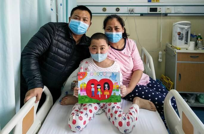 8小时募捐10万!血癌女童的一幅画说出人生真谛
