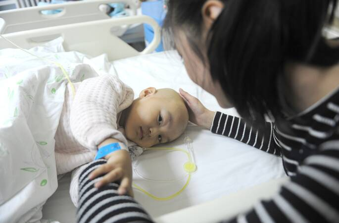 3岁儿突患脑瘤,母亲泣求:请让他离开时没有痛苦