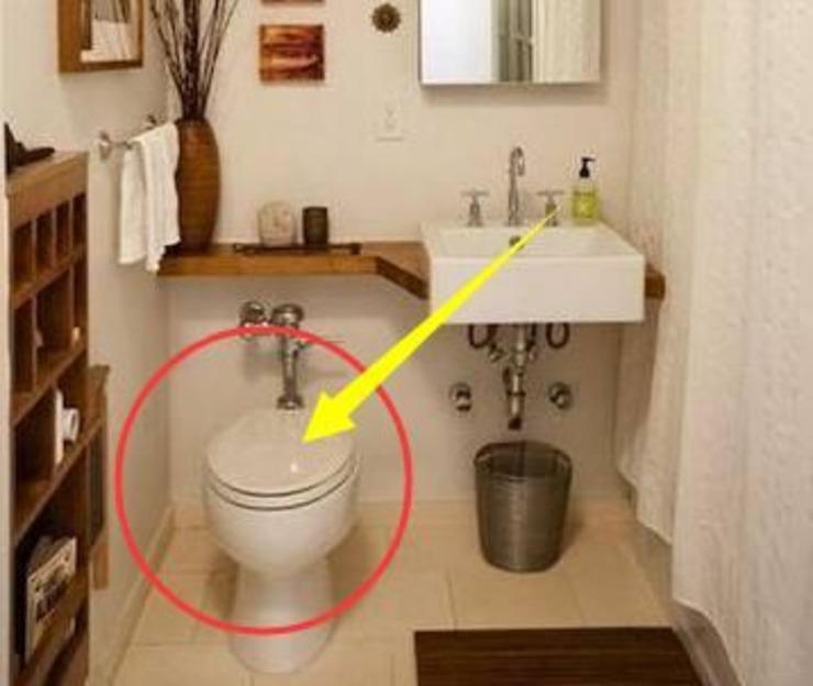 为何日本迷你卫生间小小空间就有浴缸和马桶?