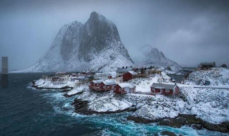 诺尔兰郡(nordland).北欧峡湾地貌下,奇峰耸立,在严寒气候中屹立的小图片