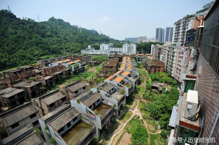 废弃别墅群俯视图