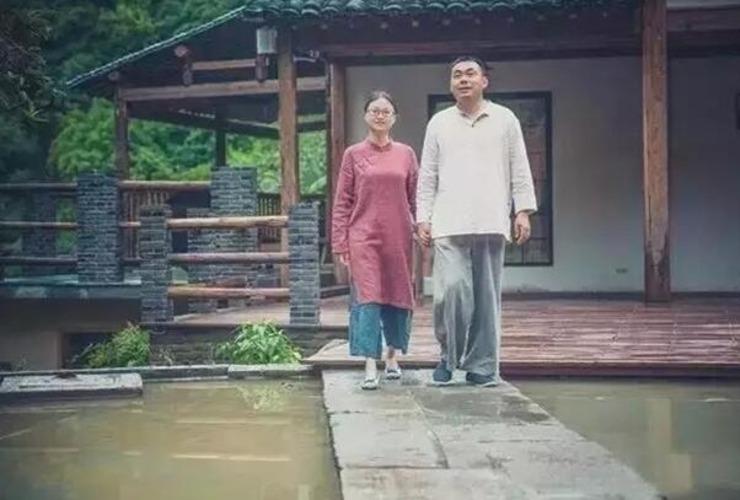 年轻夫妻逃离大都市 来到偏僻山村盖房 - 子泳 - 子泳WZ的博客