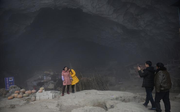 奇葩!这里的姑娘都住在百米深山洞里(图) - 子泳 - 子泳WZ的博客