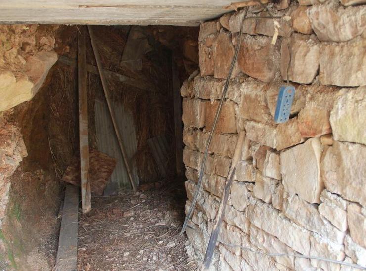 村里的山上惊现无数神秘洞穴 村民居然靠它们发财了 - 子泳 - 子泳WZ的博客