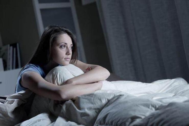 她大蒜放到枕头下面 第二天老公直呼不可思议 - 雷石梦 - 雷石梦