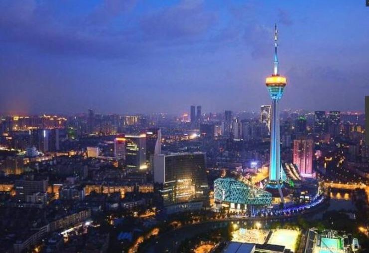 """4、成都,四川省省会,是中国西南地区的科技、商贸、金融中心和交通枢纽,有""""天府之国""""的美誉。2016"""