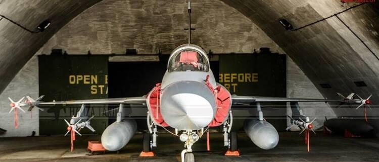 独特视角看枭龙 登顶世界最强轻型战机