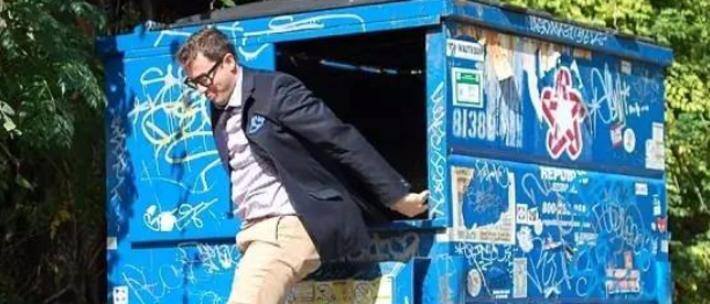 哈佛学霸搬进垃圾桶后,人生逆袭了