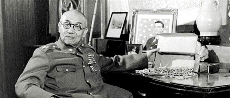 1948年被解放军围困在太原的阎锡山