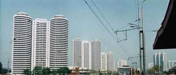 朝鲜公车改革:金正恩倡导官员每天1万步