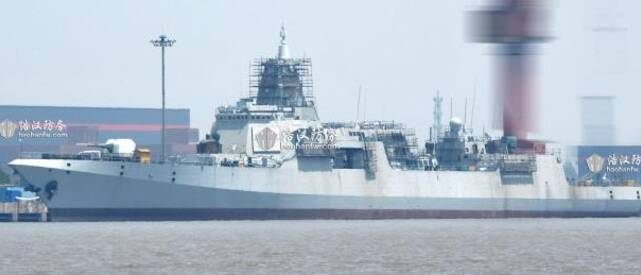 055舰舾装最新侧身新靓照 线条优美