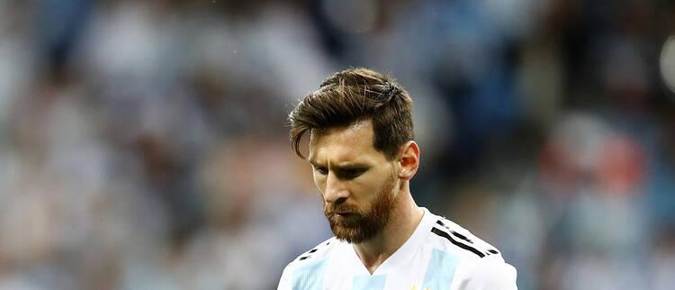 惨败!门将失误阿根廷0-3克罗地亚