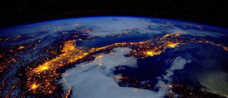 太空视角下的地球 灿若星河美轮美奂