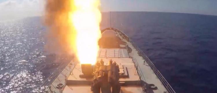 """俄军向IS目标发射6枚""""口径""""导弹"""