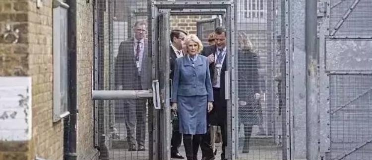 """这个地方的高官每天排队去""""坐牢"""""""