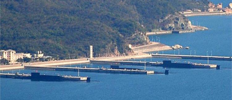 中国4艘094战略核潜艇停靠某军港
