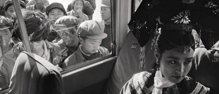 82年拍摄火烧圆明园 刘晓庆被围观