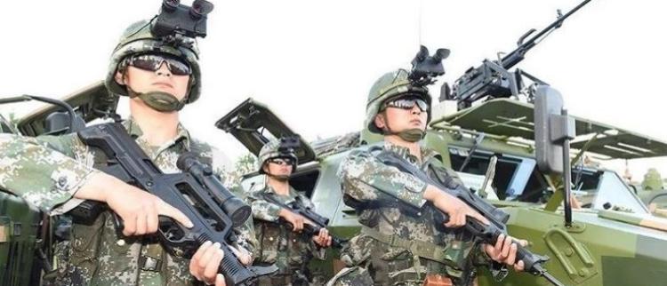 中国军队轻型合成旅首次公开亮相