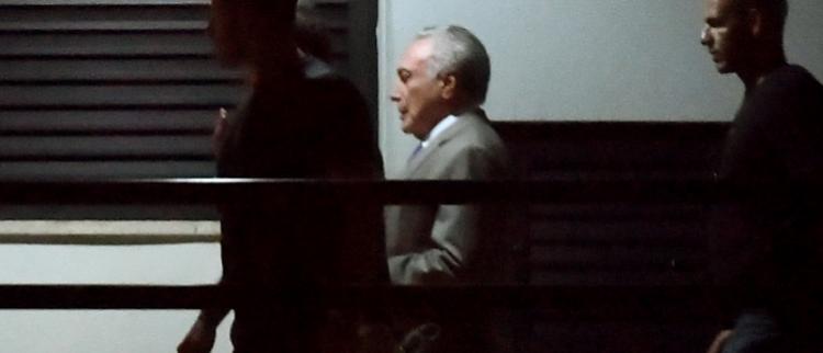 巴西前总统特梅尔被押送现场