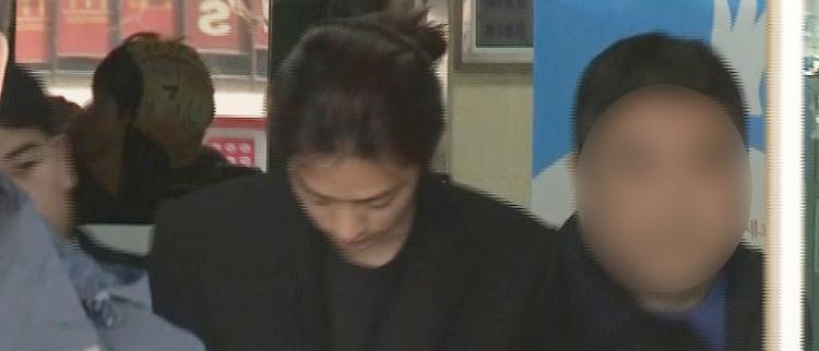 郑俊英接受调查 称将终生反省错误