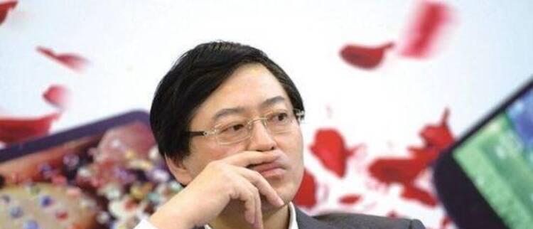 中国最贵CEO,三年要卖800亿