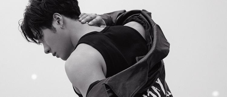 王嘉尔最新写真曝光 嘻哈少年释放性感魅力