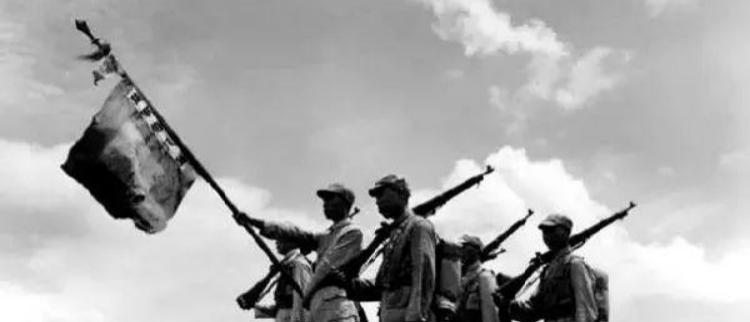 胜利阴影:日本投降后留下满目疮痍