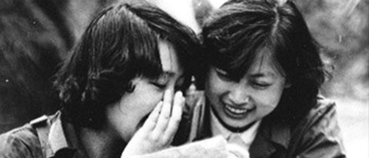 对越反击战旧照:那些女兵的微笑