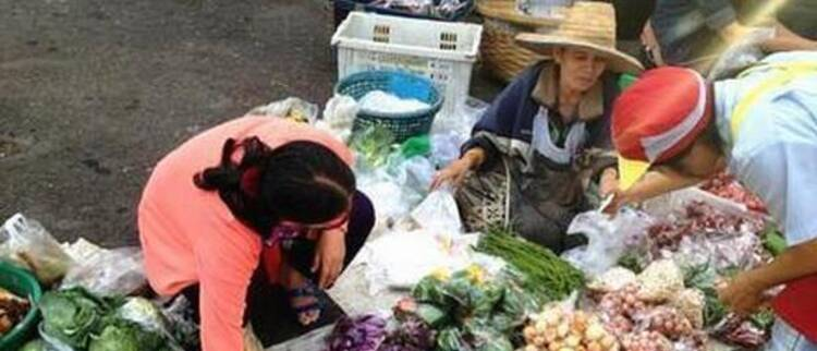 中国蛙王因得罪教练被迫退役 今卖菜为生