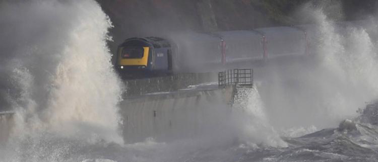 这可能是世界最危险的铁路
