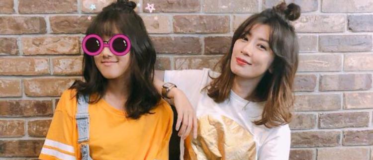 贾静雯和梧桐妹同款发型似姐妹