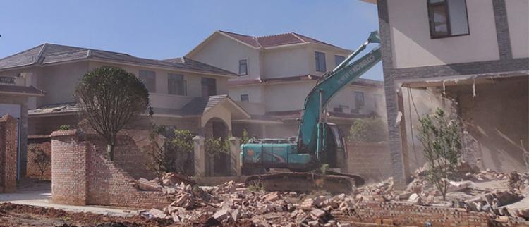 11户村民占用农田建房被强拆