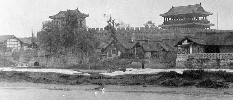 旧照:江水环绕城墙耸立的老成都