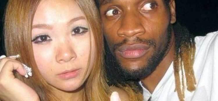 黑人熟女强暴av网站_不顾家人反对,她执意要嫁非洲黑人