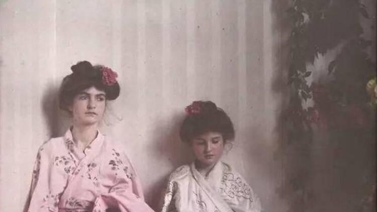 世界上最早的彩色照片,少女这么美!