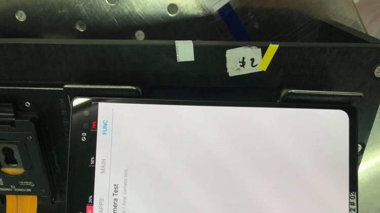 三星Galaxy S10+直屏工程机谍照放出