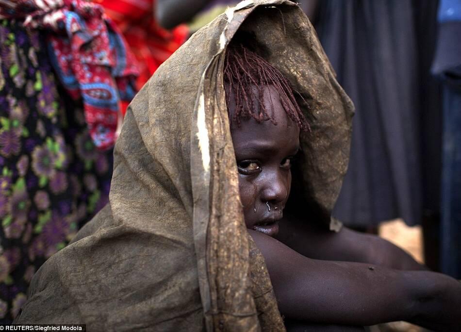 慎入:非洲少女痛苦割礼全程(高清组图)