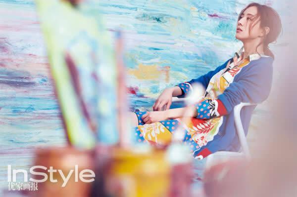 张钧甯登开年封面显自信从容 优雅玩转街头涂鸦风 时尚潮流 第5张