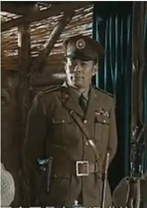 穿帮,从《亮剑》名将楚云飞的美式军服说起