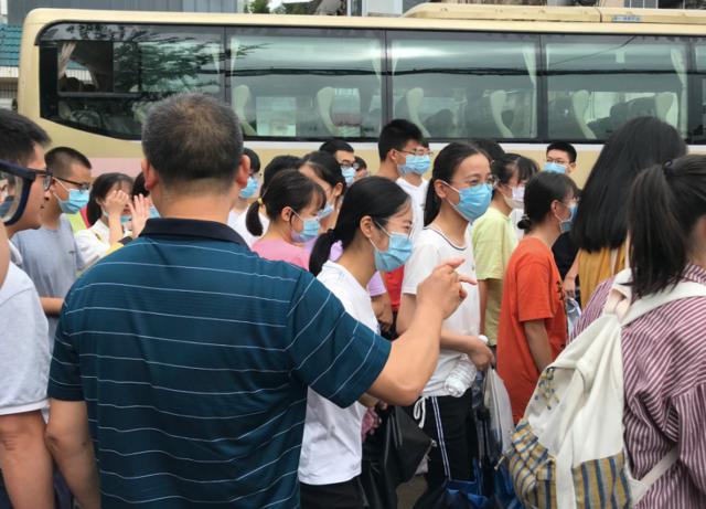"""歙县高考72小时:洪水突袭下的小城""""赶考""""记"""