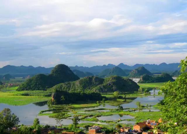 沿途景點:宜良(九鄉風景區),師宗(菌子山),羅平(金雞嶺油菜花風景區